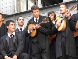 Nice instruments, guys! Students in Libson with Portuguese guitars (image (c) Howtogetfluent.com)