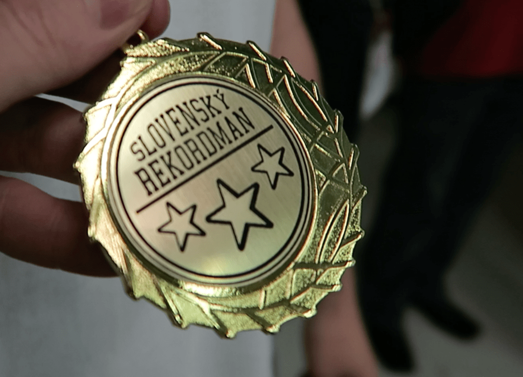 A language learning medal