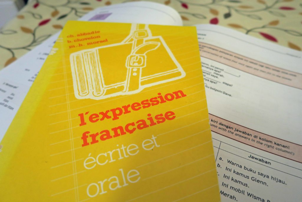 French and Indonesian textbooks from language schools abroad