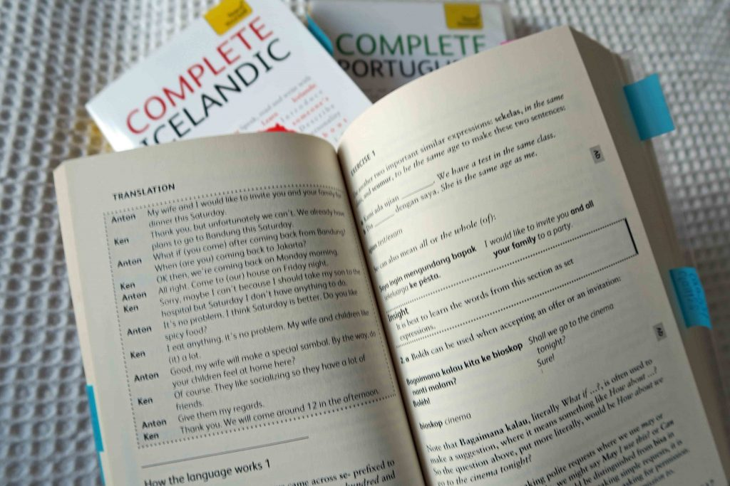 Teach Yourself Complete Indonesian is a modern language self-study book combining instructional approaches.