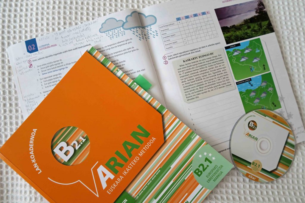 Arian B2.1 Basque course book and workbook